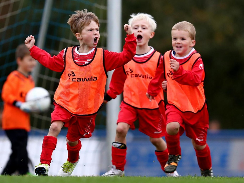 youth-team-football